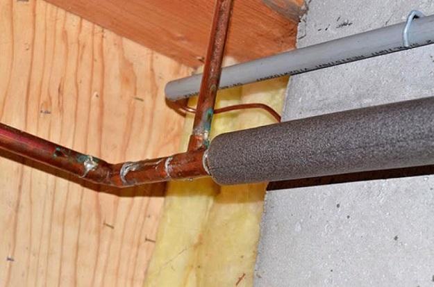 fix frozen pipes in winter